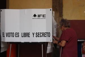 Ciudadana-3.edad-votando