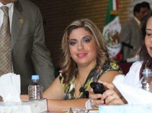 Elisa Ayón