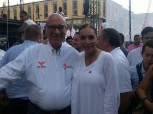 Maria Elena Limón y Dante Delgado