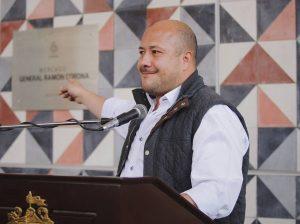 Renuncia Enrique Alfaro