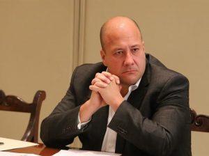 Enrique Alfaro enojado